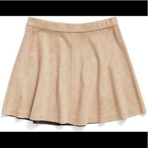 Tucker + Tate Nude Suede Skirt. Juniors Medium.